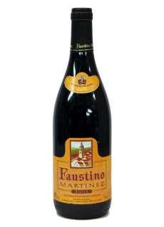 Červené víno Faustino Martínez
